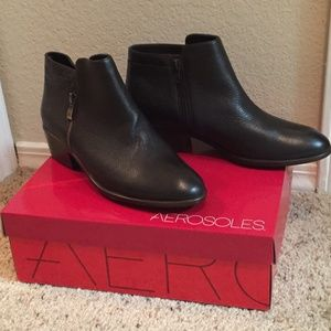 NWT Aerosoles Dark Brown Ankle Boots Size 8